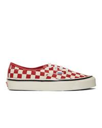 Tenis de lona a cuadros en blanco y rojo