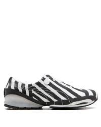 Tenis de lona en negro y blanco de Puma