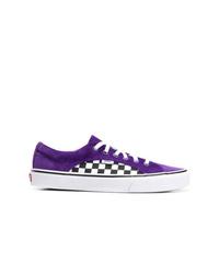 Tenis de lona en violeta