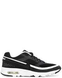 Tenis en negro y blanco de Nike