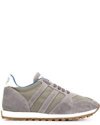 Tenis grises de Alberto Fasciani