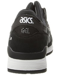 Tenis negros de Asics