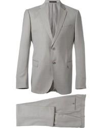 Traje de lana gris de Armani Collezioni