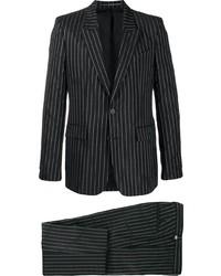 Traje de rayas verticales en negro y blanco de Givenchy