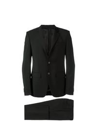 Traje negro de Givenchy