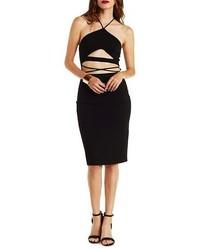 Vestido ajustado con recorte negro