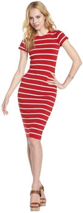 Vestido a rayas blanco y rojo