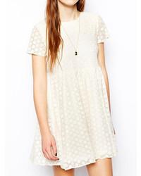 Vestido casual de encaje blanco