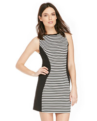 Vestido casual de rayas horizontales en negro y blanco