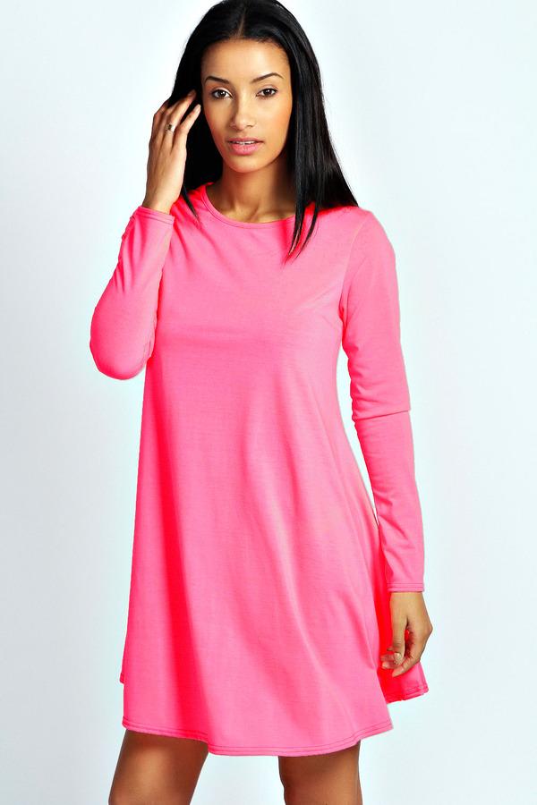 Vestido Casual Rosa de Boohoo: dónde comprar y cómo combinar
