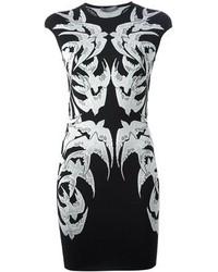 Vestido de fiesta bordado negro de Alexander McQueen