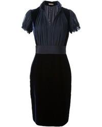 Vestido de fiesta de terciopelo azul marino de Alexander McQueen