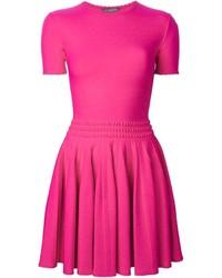 Vestido de fiesta rosa de Alexander McQueen
