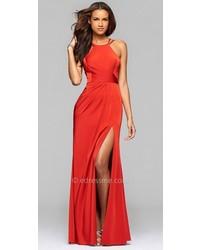 Vestido de Noche con Recorte Rojo de Faviana