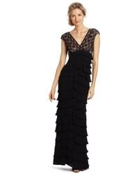 Vestido de Noche de Encaje Negro de Adrianna Papell