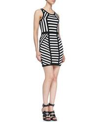 mejor proveedor más de moda correr zapatos Cómo combinar un vestido de rayas horizontales en blanco y ...