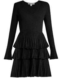Vestido de vuelo con volante negro