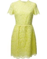 Vestido de vuelo de encaje amarillo de Valentino