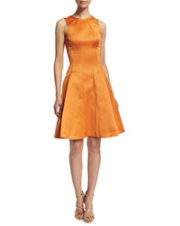 Vestido de vuelo de satén naranja