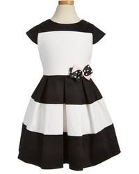 Vestido en negro y blanco