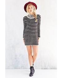 Vestido jersey de rayas horizontales en negro y blanco