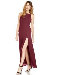 Vestido largo con recorte burdeos