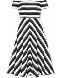 Vestido midi de rayas horizontales en negro y blanco