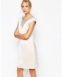 Vestido recto con adornos blanco