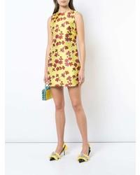 Vestido recto con print de flores amarillo de Alice + Olivia