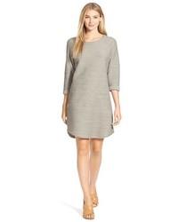 Vestido recto con relieve gris