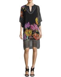 Vestido recto de gasa con print de flores negro