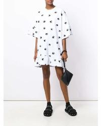 Vestido recto estampado en blanco y negro de McQ Alexander McQueen