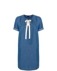 Vestido recto vaquero azul de Love Moschino