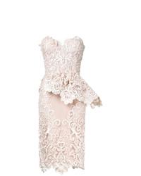 Vestido tubo de encaje rosado de Nedret Taciroglu Couture
