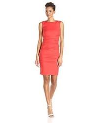 Vestido Tubo Rojo de Nicole Miller