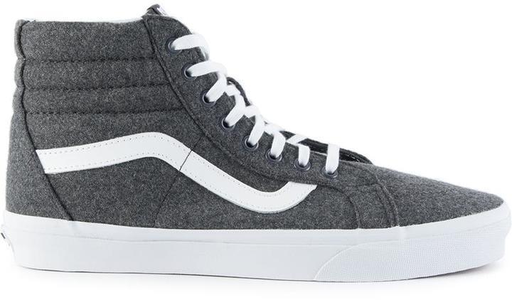 vans gris oscuro