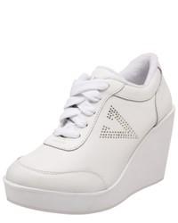 Zapatillas con cuña blancas de Volatile