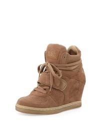 Zapatillas con cuña de ante marrón claro