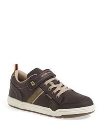 Zapatillas en marrón oscuro