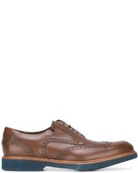 Zapatos brogue de cuero marrónes de Salvatore Ferragamo