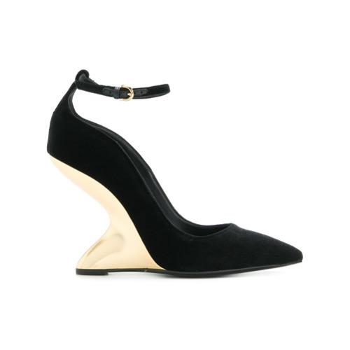 Zapatos con cuña de ante negros de Salvatore Ferragamo