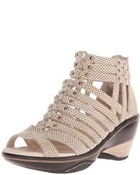 Zapatos con cuña marrón claro de Jambu