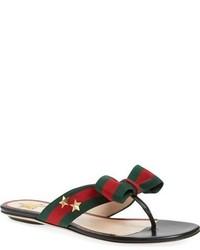 Zapatos de rayas horizontales