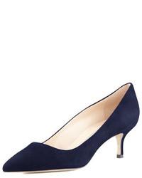 Zapatos de tacón azul marino