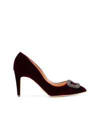 Zapatos de tacón de ante con adornos burdeos de Rupert Sanderson