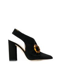 Zapatos de tacón de ante con adornos negros de Chloe Gosselin