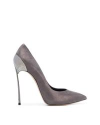 Zapatos de tacón de ante plateados de Casadei