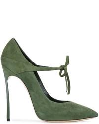 Zapatos de tacón de ante verde oliva de Casadei