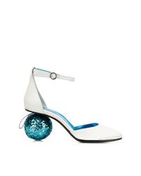Zapatos de tacón de cuero blancos de MM6 MAISON MARGIELA