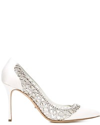 Zapatos de tacón de cuero con adornos blancos